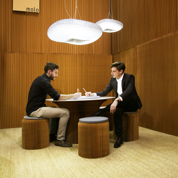 molo cantilever paper table